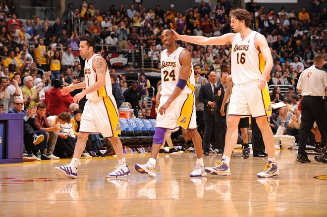 0937595106782c21dd1a19239a361ff7-getty-90044367ab039_spurs_lakers