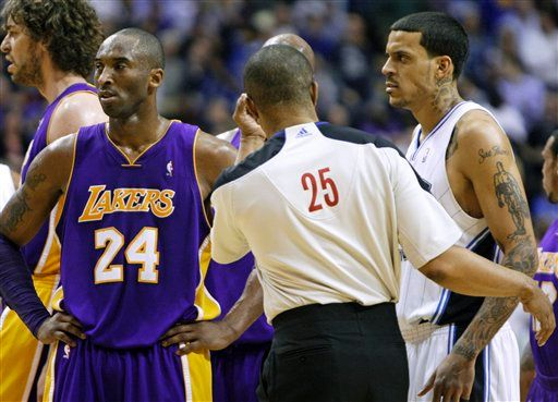 MattBarnes_KobeBryant_altercationAP