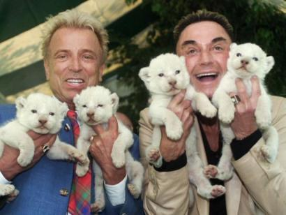 2001_0426_siegfried_roy