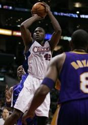 Captlas10802250640lakers_clippers_basket