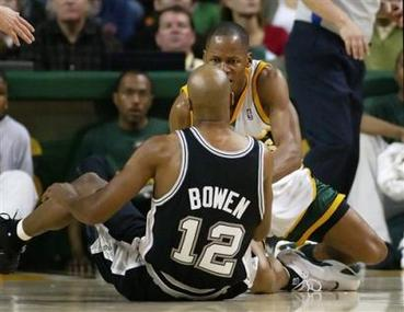 Captwajf10303270351spurs_supersonics_bas_3