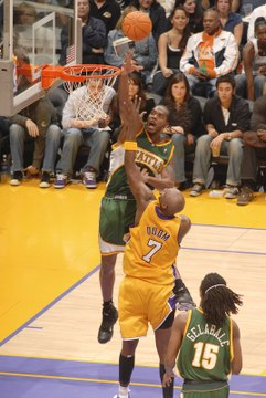Fullgetty71797327ab024_sonics_lakers_2_5