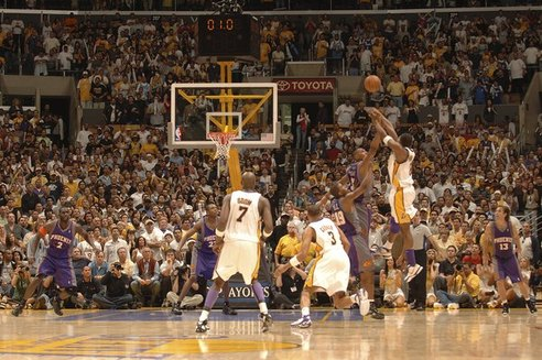 Oly_full57156086ab018_suns_lakers_1